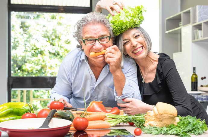 уход за больными после инсульта и питание