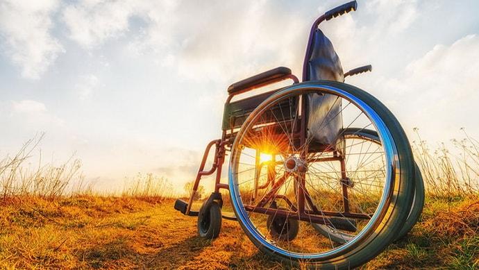 Почему возникает паралич ног