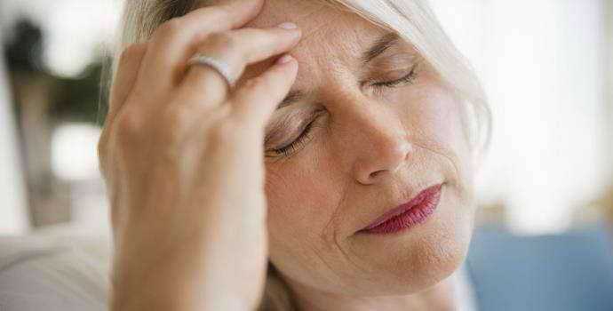 Признаки инсульта у женщин: первичные и основные