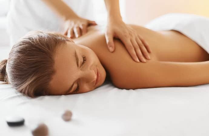 Поможет ли массаж уснуть