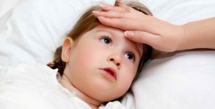 Симптомы энцефалита у детей, причины патологии и методы лечения