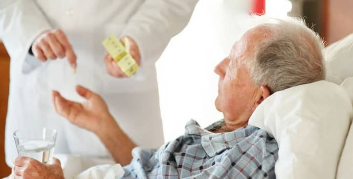 Центральный паралич , как проявляется, чем опасен, лечение