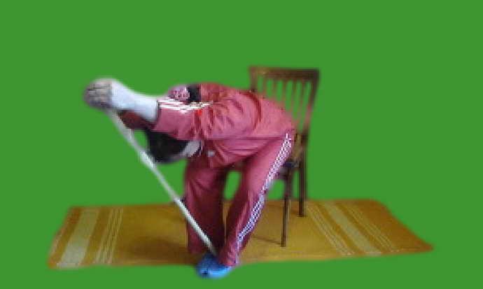 При рассеянном склерозе пациентам рекомендуется выполнение таких упражнений