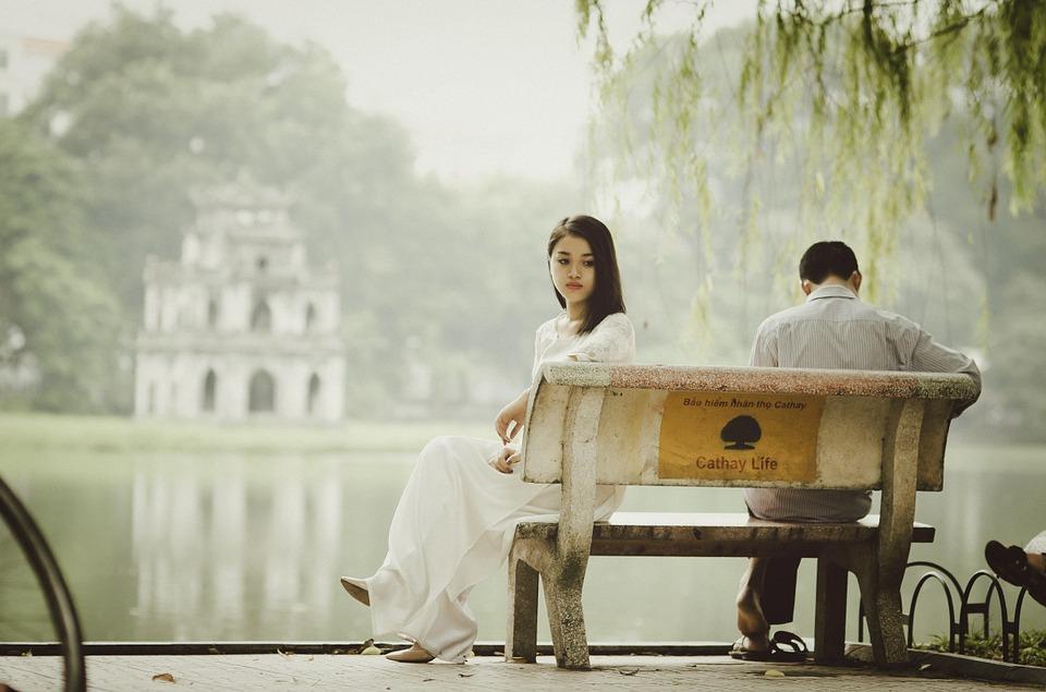 Как женщине вернуть мужа в семью?