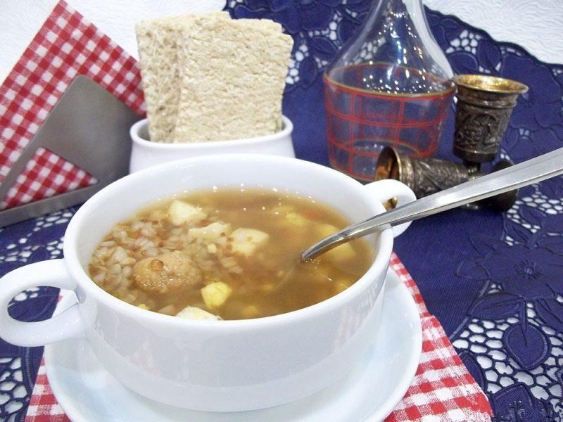 Суп с фрикадельками и гречкой при гв