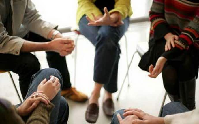 Групповое занятие у психотерапевта при ипохондрии