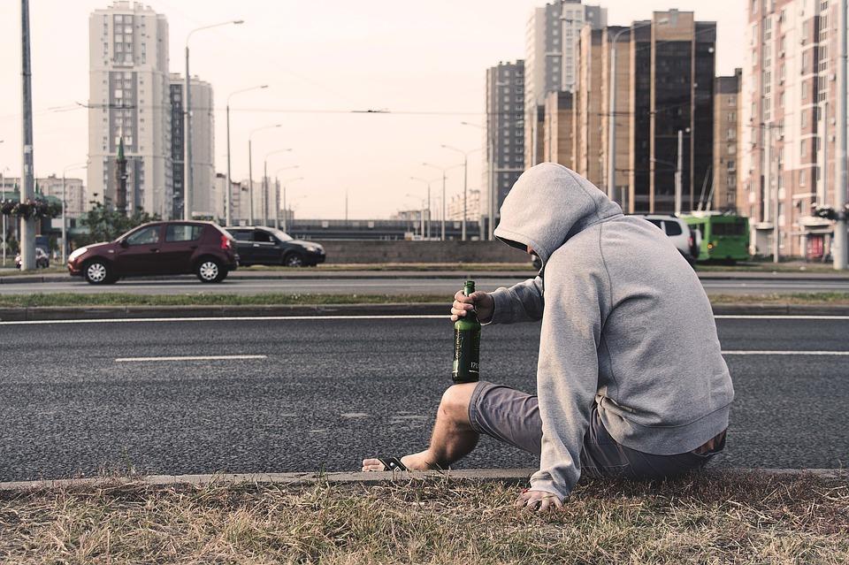Как можно помочь человеку выйти из депрессии?