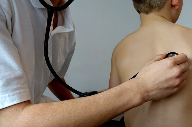 При плохом самочувствии малыша нужно обратиться к доктору