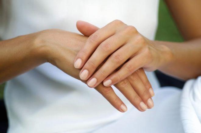 Лопаются сосуды на пальцах рук причины и лечение