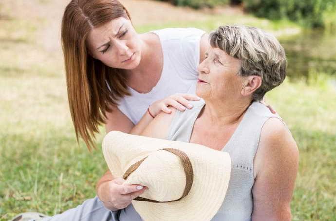 главные признаки инсульта у женщины
