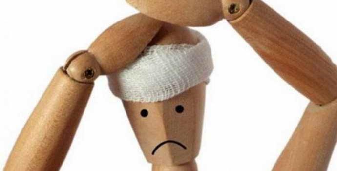 Что делать при сотрясении мозга: признаки, первая помощь, лечение