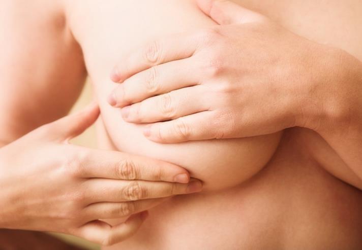 грудь увеличилась и болит