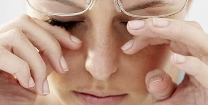 Лицевой гемиспазм: причины патологии и симптомы