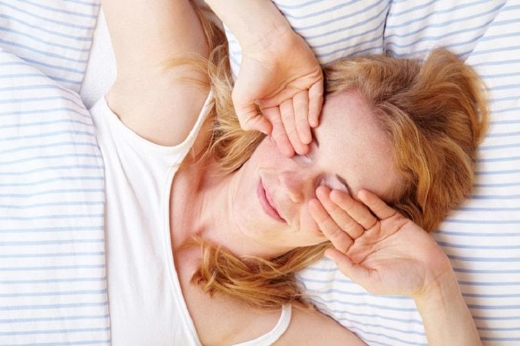 Болит голова от недосыпания