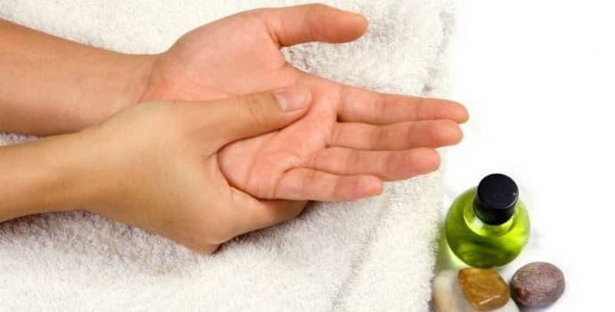 Народные средства от онемения пальцев рук: как пользоваться, советы врачей