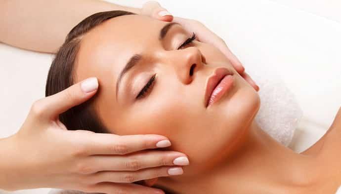 Кто делает массаж при неврите лицевого нерва