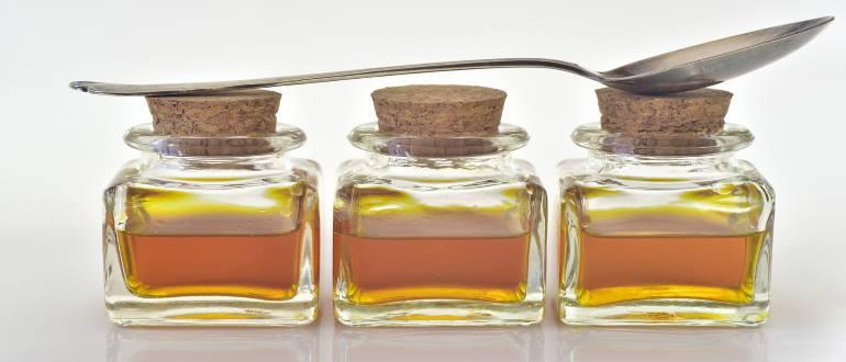 Лекарство в бутылочках по народным рецептам