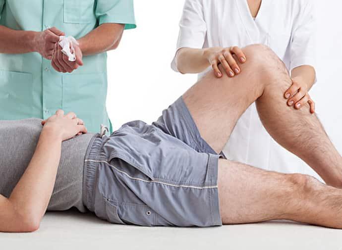 Болезни при которых немеет правая нога